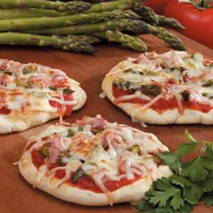 Grilled Asparagus Pizzas