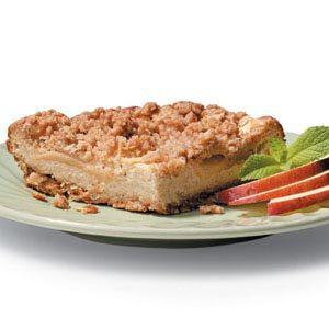 Apple Crisp Cheesecake
