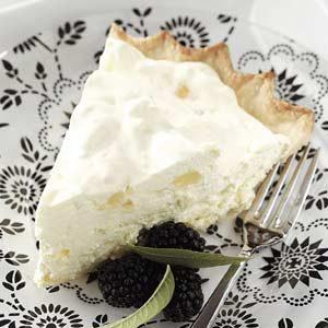No-Bake Pineapple Cheese Pie