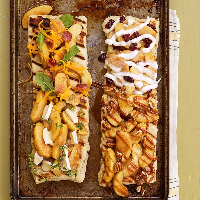 Grilled Apple Pizza