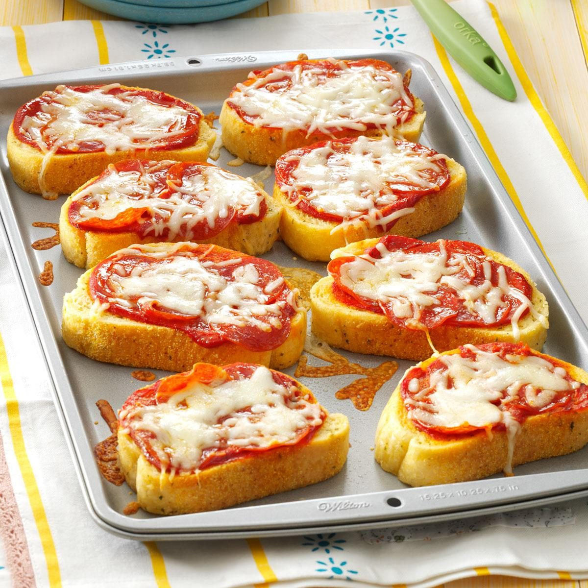 Middle School Age: Garlic Toast Pizzas