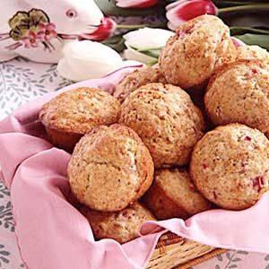 Rhubarb Pecan Muffins