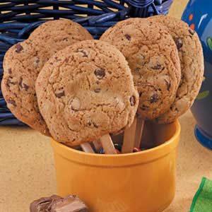 Surprise Cookie Pops