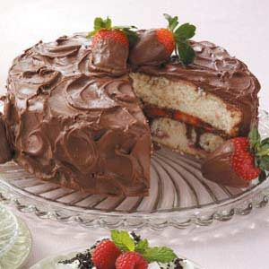 Chocolate-Covered Strawberries Cake