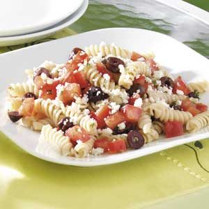 Quick Greek Pasta Salad