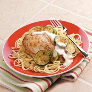 Chicken and Pasta with Garlic Sauce