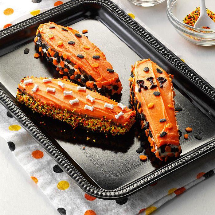Spooky Snack: Coffin Ice Cream Sandwiches