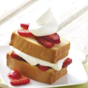 Strawberry Pound Cake Dessert