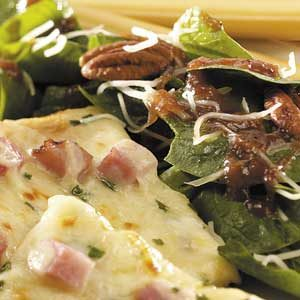 Spinach Salad with Apple Dressing