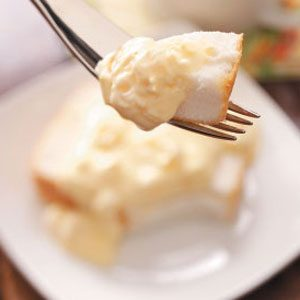 Cake with Pineapple Pudding