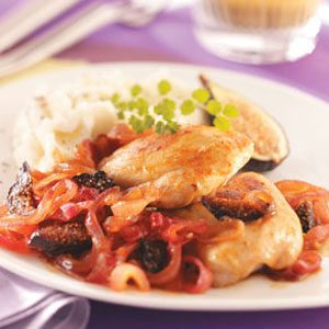 Chicken with Onions and Figs