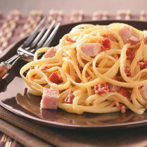 Ham & Sun-Dried Tomato Alfredo
