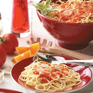 Spaghetti with Roasted Red Pepper Sauce