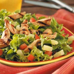 Grilled Chicken and Mixed Greens Salad