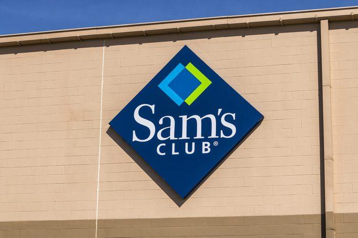 Exterior or Sam's Club store