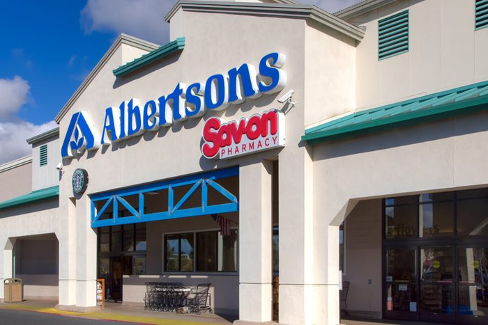 Albertsons grocery store exterior and logo.