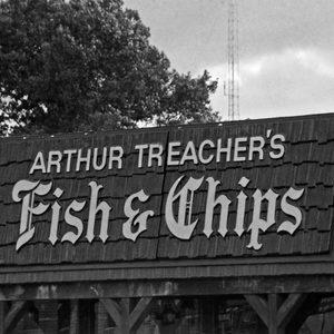 Arthur Treacher's fish and chips logo