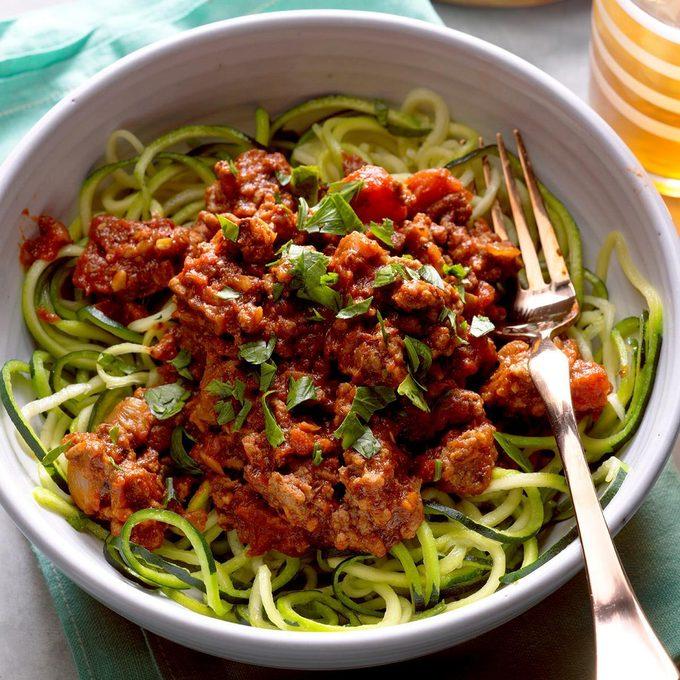 Arrabbiata Sauce With Zucchini Noodles Exps Hck18 196227 B04 014 7b 4