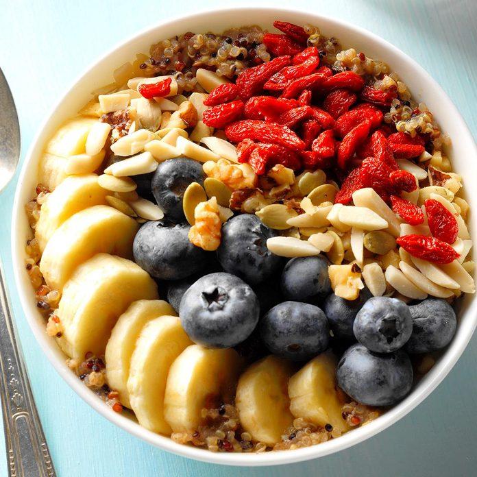 Fully Loaded Quinoa Breakfast Bowl Exps Thsum18 190303 B02 02 7b 2