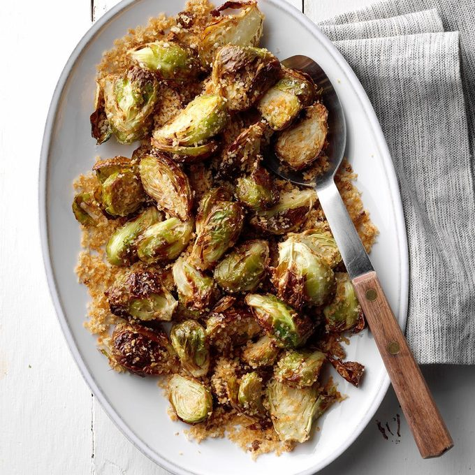 Air Fryer Garlic Rosemary Brussels Sprouts Exps Thn18 227185 E06 06 3b 19
