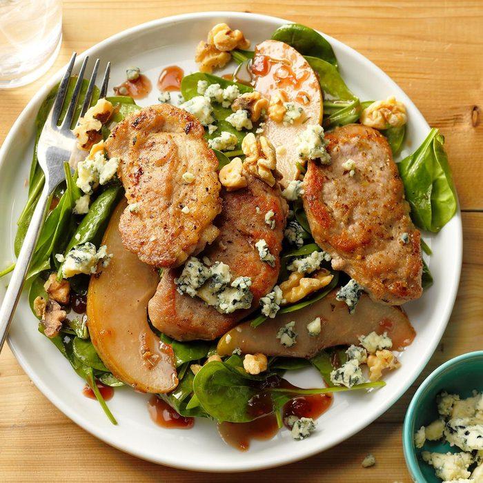 Raspberry Walnut Pork Salad Exps Thjj18 45338 B02 01 3b