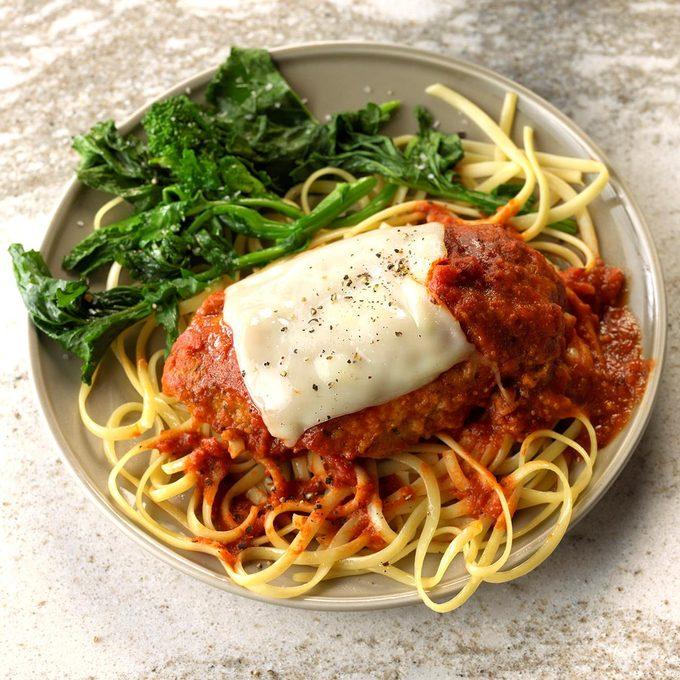 Slow Cooker Chicken Parmesan Exps Edsc18 202467 C01 04 2b 4
