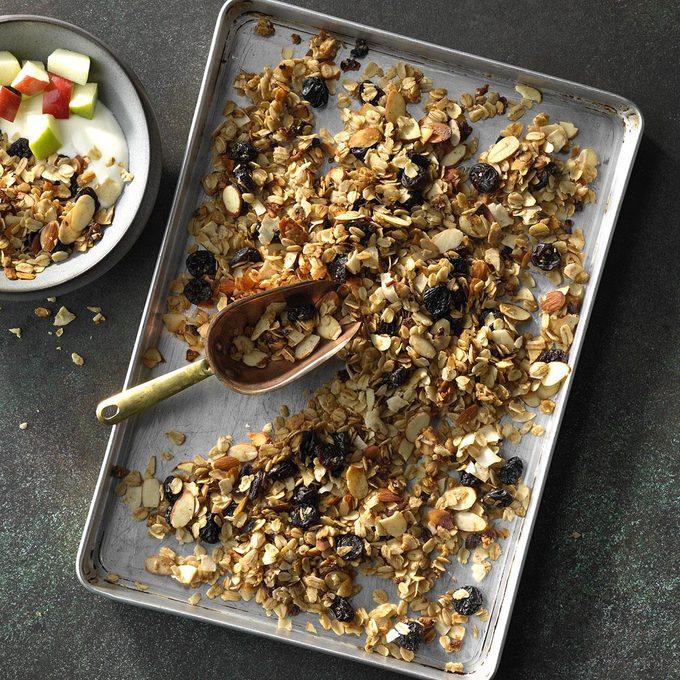 Slow Cooker Coconut Granola Exps Edsc18 207065 C03 21 1b 6