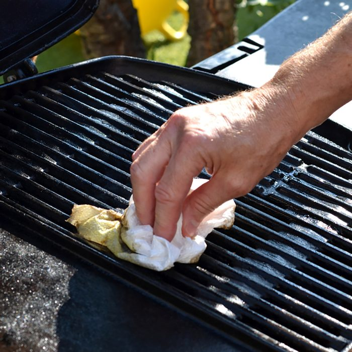Cleaning the outdoor grill
