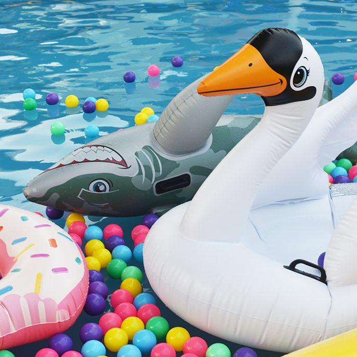 Inflatable goose bird toy swim ring swim tube