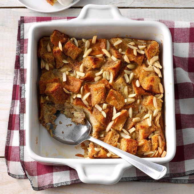 Chai Spiced Bread Pudding Exps Fbmz19 159439 E05 02 6b 4
