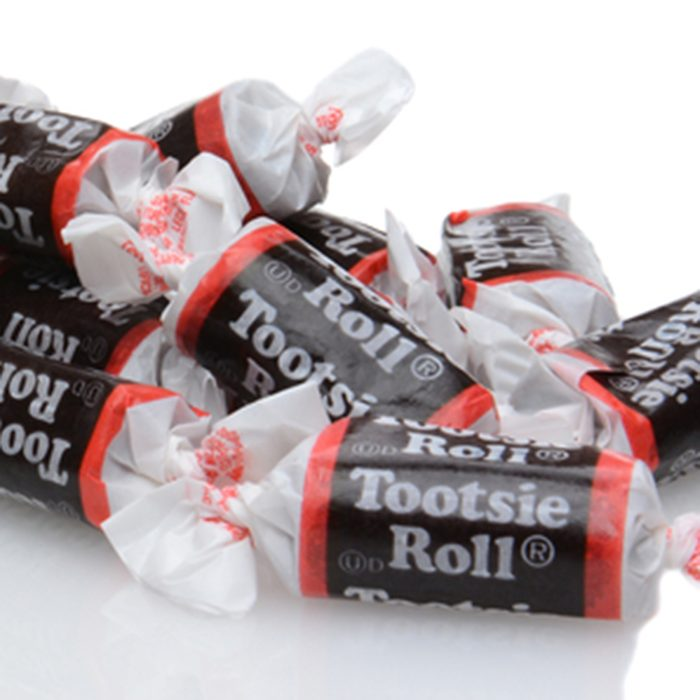 A box of Tootsie Roll 'Midgee' Candy.