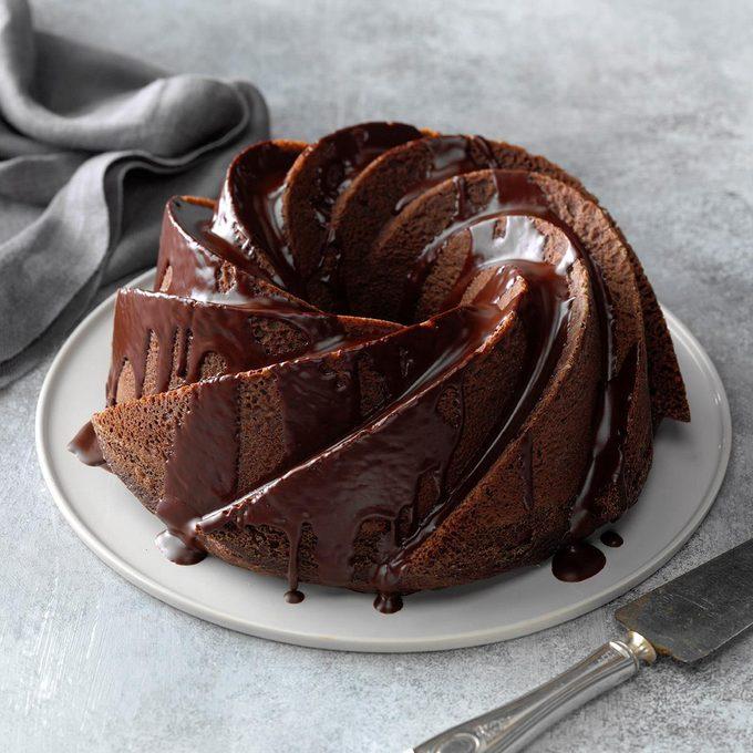 Chocolate Comfort Cake Exps Thd18 147442 E07 26 8b 6