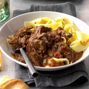 Slow Cooker Beef with Spicy Red Sauce