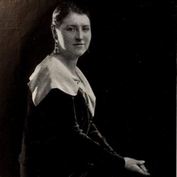 Alma Kitchell as she was pictured in the March 1930 issue of Radio Revue magazine.