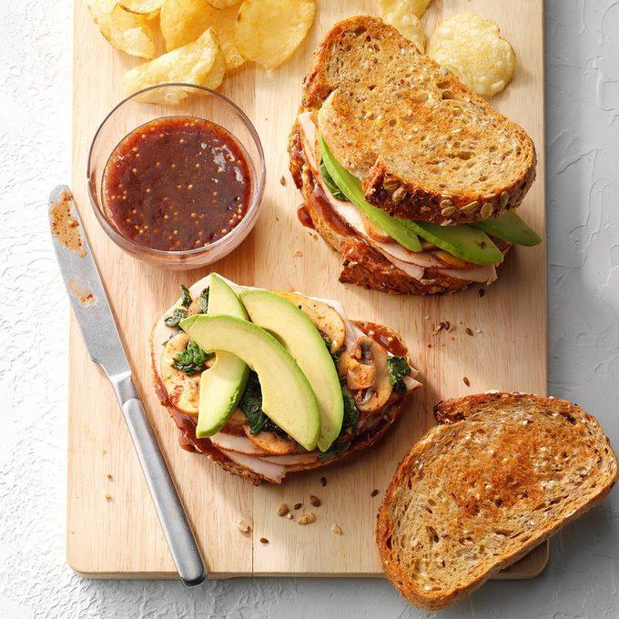 Turkey Sandwich With Raspberry Mustard Spread Exps Sddj19 214388 E07 17 7b 5