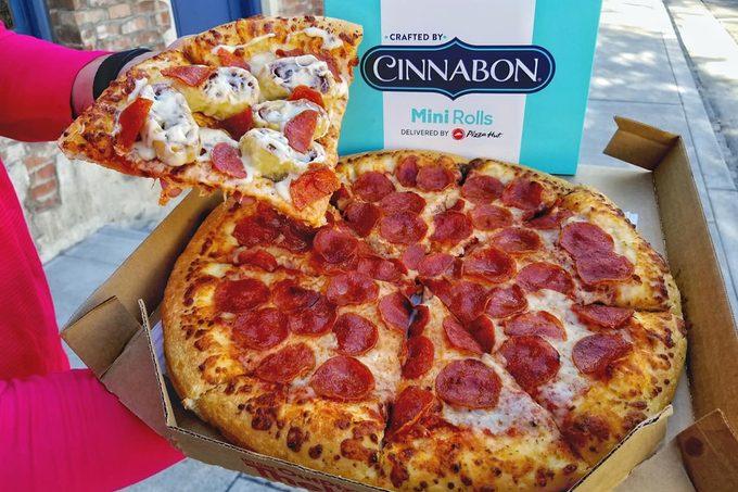 pizza hut cinnamon rolls