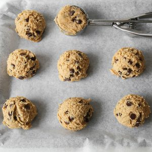 chocolate chip coconut cookies dough