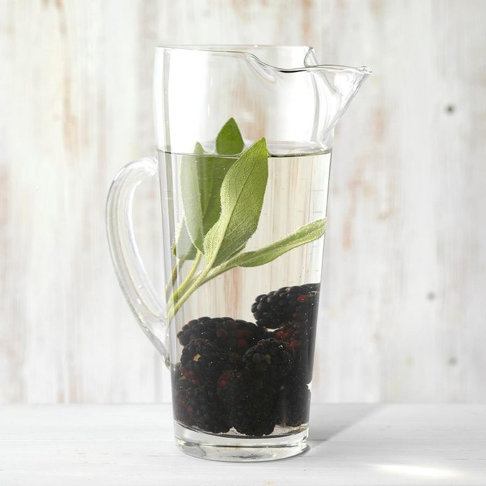 Blackberry And Sage Infused Water Exps Thfm19 233664 C09 27 7b 1