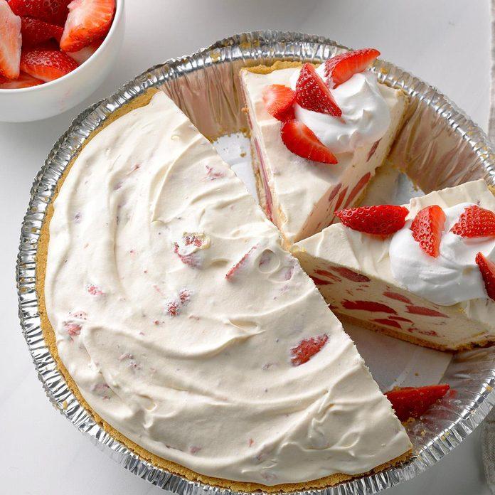 Easy Strawberry Lemonade Freezer Pie Exps Sdfm19 232759 B10 11 8b 2