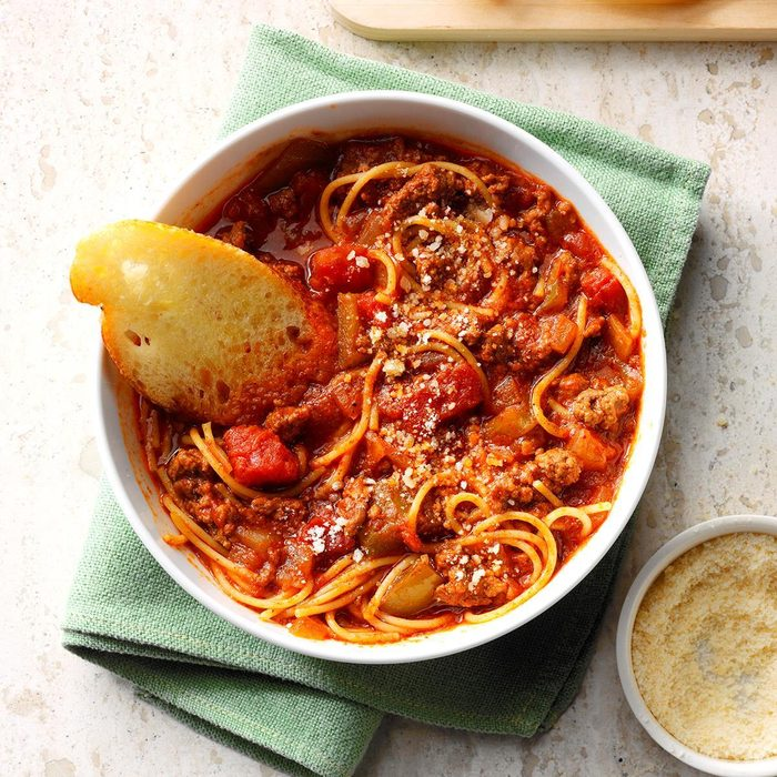 Ground Beef Spaghetti Skillet Exps Sdfm19 177728 C10 18 1b 14