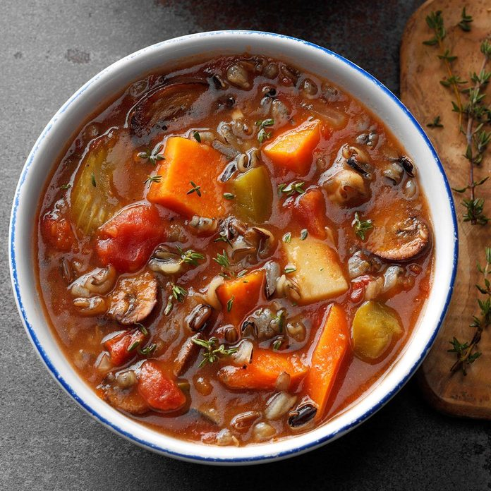 Slow Cooked Vegetable Wild Rice Soup Exps Sdfm19 133461 B10 16 6b 2