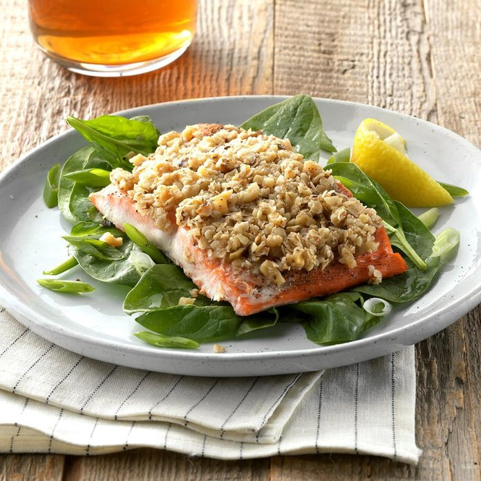 Walnut And Oat Crusted Salmon Exps Thfm19 100797 C09 28 2b 2