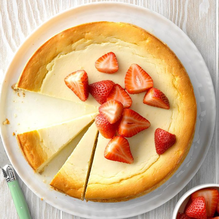 Yogurt Ricotta Cheesecake Exps Thfm19 229041 B09 27 5b 2
