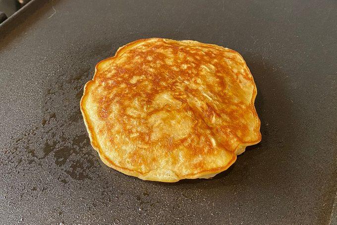 Healthy Banana Pancake Flip