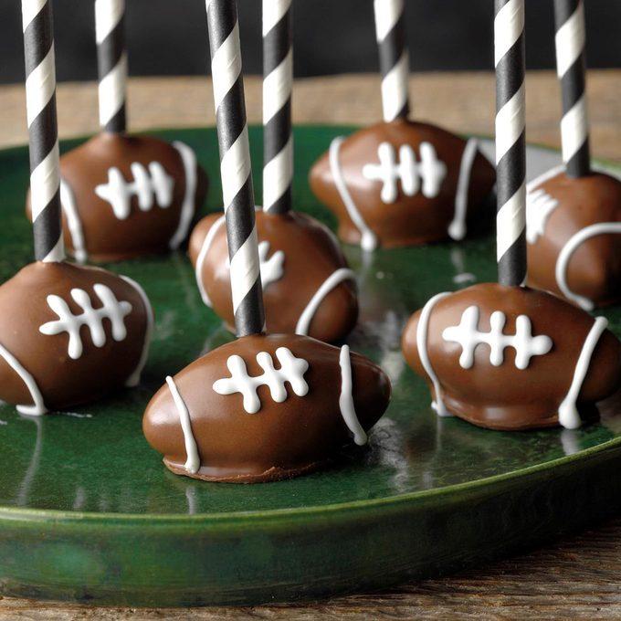 Football Cake Pops Exps Hca19 136442 B09 11 8b 2