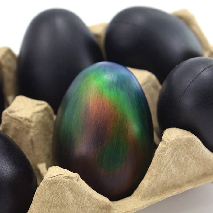 Heat-changing Easter eggs