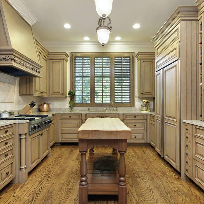 shutterstock_553183987 butcher block countertop kitchen island countertop options