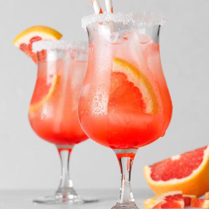 Grapefruit Sunset Margarita Exps Toham21 257580 E12 09 4b