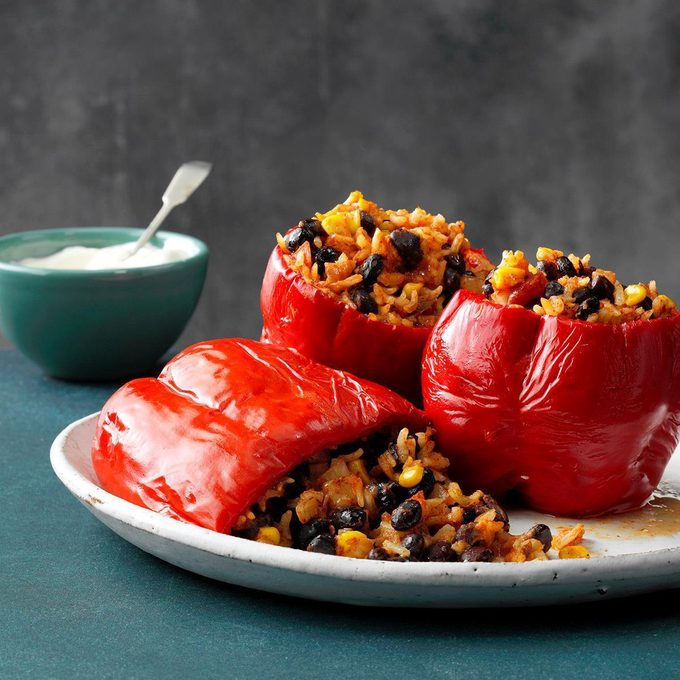 Slow Cooked Stuffed Peppers Exps Sscbz18 46113  E08 28 7b Basedon 37