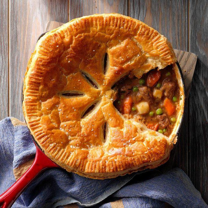 Beef Stew Skillet Pie Exps Tohar19 233851 E08 07 5b 3